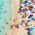 MÄLESTUS EELMISEST SUVEST: Sellist rannaelu Itaalias tänavu arvatavasti ei näe. Foto tehtud möödunud aasta suvel Calabarias Tropea rannas.