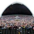 Eesti taasiseseisvumispäeval toimus Tallinna lauluväljakul Ruja suurkontsert. Laulukaare alune oli rahvast pilgeni täis.