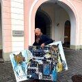Rae vallast Riigikokku suundunud Mart Võrklaev võttis Toompeale kaasa kohaliku noorkunstniku Robert Puumeistri loomingu