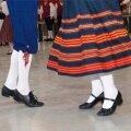 Puurmani lossi pargis toimub vanade tantsude päev