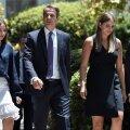 Kreeka värske peaminister Kyriakos Mitsotakis lahkus esmaspäeval koos lastega presidendi paleest.