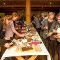 Mullu novembris peeti Kauksi puhkemajas Peipsi toidu sööming, kus pakuti kohalikust toormest valmistatud suupisteid.