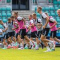 FCI Levadia mängueelsel treeningul.