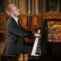 26 августа в Йыхви и 27 августа в Таллинне выступит яркий и талантливый пианист Антон Роспутько