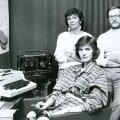 Aasta 1986. Pildil on Eve Tark, Mall Mälberg, Harri Tiido, Inna Tammelt.