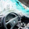 Ohver: mind vigaseks sõitnud BMW juht tegi valurahast hiilimiseks end üleöö rahatuks ja invaliidiks