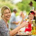 Toitumisnõustaja hoiatab: kõige hullema põntsu paneb meie naha nooruslikkusele üks korralik grillipidu alkoholi ja rasvaste vorstikestega