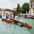 Ujuv viiul Veneetsias.