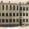 Hans Kubu eragümnaasiumi hoone enne sõda toonase Imanta tänava ääres.