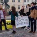 DELFI FOTOD ja VIDEOD: Tartus koguneti toetust avaldama sallivusele, vähemustele ja rahumeelsele Eestile