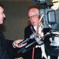FILMIMEHED OMAVAHEL: Lennart Meri peab nõu aastapäeva teleoperaatoriga.