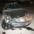 DELFI FOTOD: Paldiski maanteel põrkasid kaks autot kokku