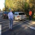 ВИДЕО: Кандидат в президенты Аллар Йыкс в ходе кампании попал в цепную аварию