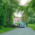 VIDEO JA FOTOD | Tagaajamine Harku vallas: roolijoodik kihutas oma BMWga 150 km/h ja sõitis teelt välja. Ta pages jalgsi edasi, kuni tabati