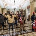 Vandenõulasest šamaanile esitati süüdistus vägivaldses tungimises Kongressi