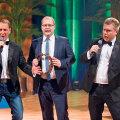 Teet Margna ja Kristjan Jõekalda (paremal) esimese saate üks külalisi on välisminister        Urmas Paet, kes võtab kaamera ees isegi laulu üles.