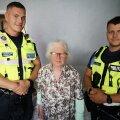 ФОТО: Полиция навестила 85-летнюю Евгению, которая больше недели провела в лесу