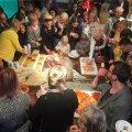 EKSPERIMENTAALSED MAIUSED: Augusti lõpus toimunud Eesti Kunstiakadeemia uue maja avapeol pakkus magusaid elamusi Maria Aderi ja Helis Heiteri ettevõte Curated by Bakerman.
