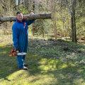 """Jüri Ratas käib mööda Eestit ringi, peab kõnesid ja postitab endast sotsiaalmeediasse pilte kui tublist töömehest. """"Jah, ta tahab presidendiks saada,"""" ütleb nii mõnigi poliitik."""