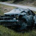 22. juuli, Kobratu. Tartust Jõhvi poole liikunud BMW sõitis lauges vasakkurvis teelt välja ning rullus üle katuse. Turvavööta juht, 33-aastane mees, paiskus autost välja ja hukkus. Mees on varem mitu korda autoroolist alkoholijoobega tabatud. Samas autos kaassõitjana olnud naine rääkis sündmuskohal politseinikele, et mõlemad olid alkoholi tarvitanud.