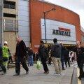 Manchesteri kaubanduskeskuses sai neli inimest pussitamises vigastada