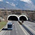 Versioon: Šveitsis õnnetusse sattunud bussi juht pani DVD-d mängima