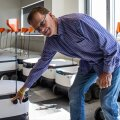 Starshipi uus tegevjuht Alastair Westgarth näitab Tehnopoli teaduspargis ettevõtte kontoris väljasaatmise ootel olevat robotit, mil on kena ümmargune seerianumber ehk 1000.