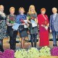 Hariduspreemiate laureaadid koos preemiate üleandjatega: vasakult Janika Usin, Ene Laurits, Tiina Villako, Maire Tiisler, Kaja Kilusk ja linnapea Georg Pelisaar