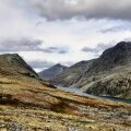 """Raamatukoi rändas """"Lauritsatütre"""" kodupaigas – Norra karjamaad ja kaljuseinad, ootamatud käändkäigud ja tohutult äratundmisrõõmu"""