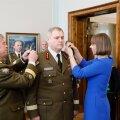 DELFI FOTOD ja VIDEO: President Kaljulaid andis värskele kindral Terrasele üle uued õlakud