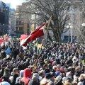 Leegionäride päeva puhul kogunesid tuhanded lätlased Riia kesklinna Läti leegioni mehi mälestama. Foto: Läti Delfi