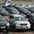 Eriolukorra tõttu on raskem automüüjatel, kellel ei ole internetis head müügiplatvormi.