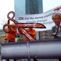 Keskkonnaaktivistid protestivad Frankfurdis selle vastu, et EKP rahatrükk toetab ka fossiilenergia sektorit.