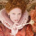 """<em>Cate Blanchett kuninganna Elizabethina filmis """"Elizabeth: Kuldajastu""""</em>"""