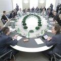 DELFI FOTOD: Vastsed valitsusliikmed tutvuvad uue ametiga