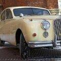 SPORTLIK KUNINGAS: Jaguar Mark VII on suur neljaukseline Inglise sportsedaan.
