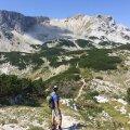 Meie vallutatud 2222m kõrgune Plocno mägi. Pildil ka meie suurepärane giid Adjin