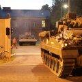 ФОТО: В ночной тьме по Таллинну прошли танки