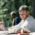 """Elisa originaalsari """"Süü"""" ilmub ekraanidele hilissügisel. Traagiliselt pisipoja kaotanud isa Sepot mängib Rasmus Kaljujärv"""