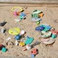Tartu linn täidab laste liivakastid puhta liivaga