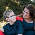 Ema: vihjed, et poeg käitub ebatavaliselt, tulid juba lasteaiast. 7-aastaselt sai ta autismidiagnoosi. Tundsin süüd: miks ma enne ei uskunud?