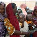 Aafrika riikide rahvaarv kahekordistub prognooside järgi järgmise 30 aastaga. Fotol Nigeeria naised lastega, eriti jõudsalt suureneb rahvastik just seal.