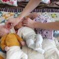 VIDEO | Gerli ja Kristjani kolmekuused kolmikud on imearmsad!