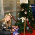 """""""Дерево ангелов"""" ждет рождественских подарков для обездоленных детей"""