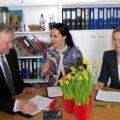 Hinnata pole sugugi kerge. Elmo Tiisvald (vasakult), Hele Kõrve ja Anne Maiberg vaheajal esinejate plusse ja miinuseid kaalumas.