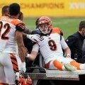 Bengalsi mängujuht Joe Burrow tuli platsilt minema sõidutada.