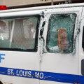 USA-s tulistati rahutuste käigus viit politseinikku ja ühele sõideti autoga otsa