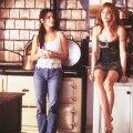 """1998. aastal linastus raamatust """"Igapäevane nõiakunst"""" samanimeline film, mida telekanalid senimaani näitavad. Peaosades Sandra Bullock ja Nicole Kidman"""