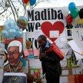 Nelson Mandela tervis halveneb, president Zuma tühistas visiidi