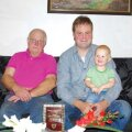 Nugise pere kolme põlvkonna esindajad: Rein, Tanel ja Uko